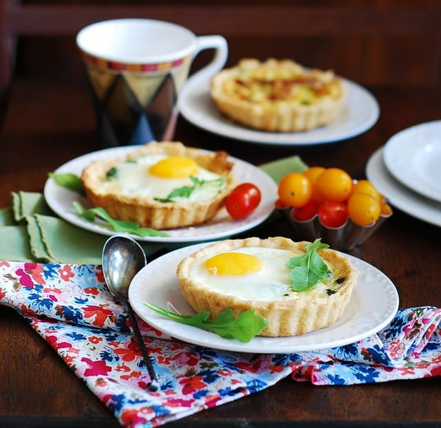 Bacon and egg breakfast cups, baked, with spinach and cheese