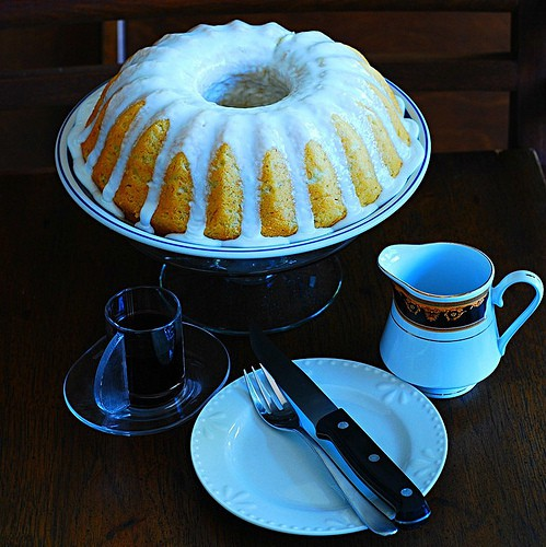 Banana buttermilk bundt cake with lemon glaze