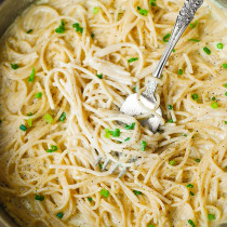 Creamy Four Cheese Garlic Spaghetti Sauce