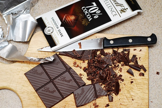 slicing chocolate bar