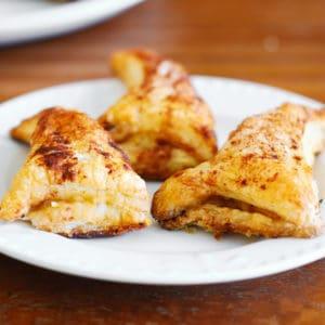 cinnamon apple puff pastry turnovers
