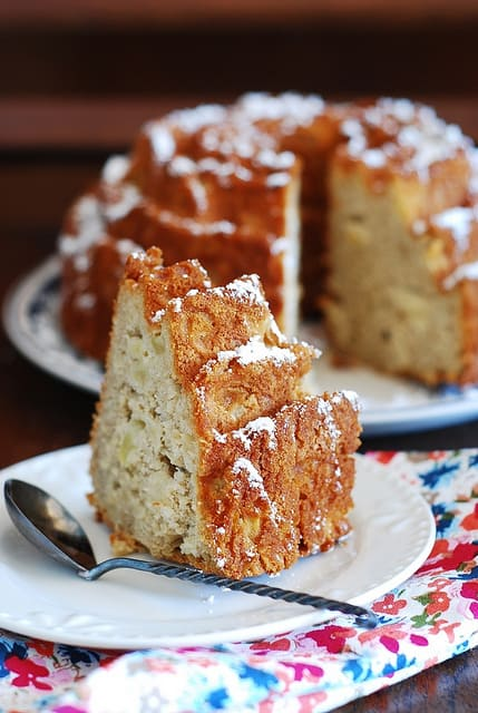 Apple cinnamon bundt cake, rose bundt pan