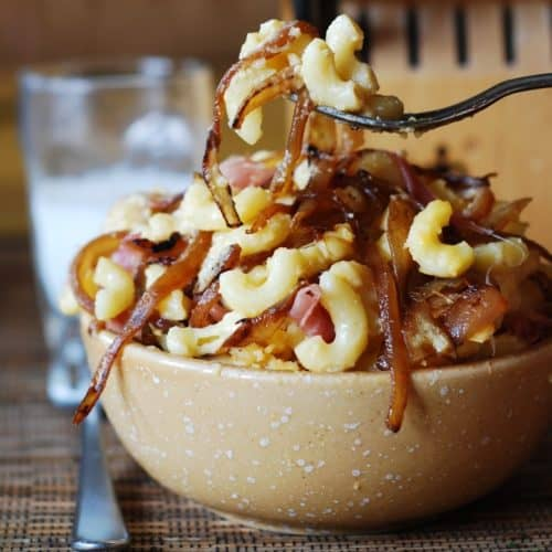 mac and cheese with bacon and caramelized onions