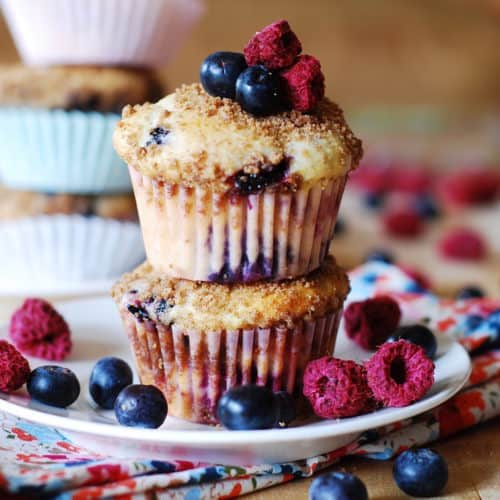 mixed berry Greek yogurt muffins