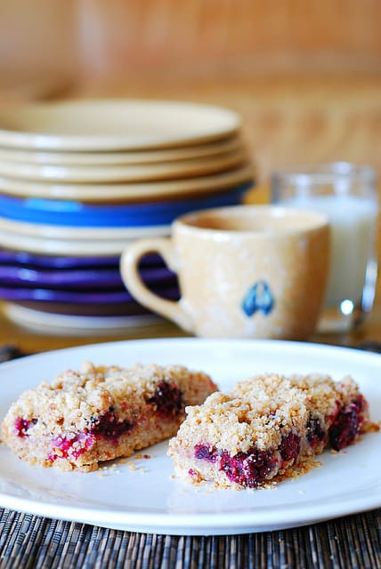Blackberry Almond Shortbread Crumble Bars