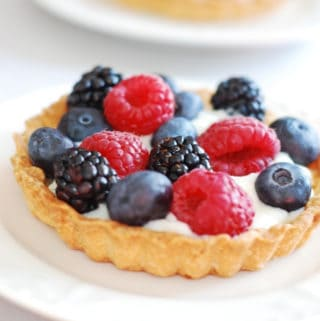 berry tartlets with sweet kefir filling