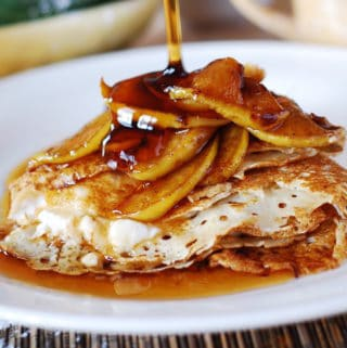ricotta cheese crepe filling with caramelized apples