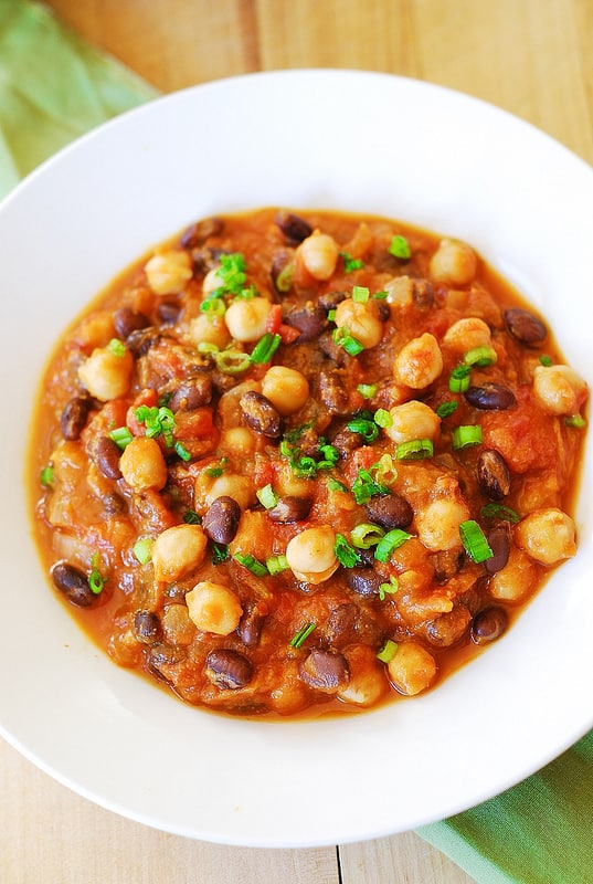 Pumpkin chili with black beans and garbanzo beans, white beans, gluten free recipes and food, vegetarian recipes and food, clean eating, Fall food and recipes, Thanksgiving food and recipes, Russian food blog, pumpkin stew, pumpkin soup, pumpkin recipes