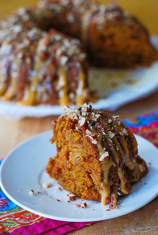 Thanksgiving apple pumpkin bundt cake