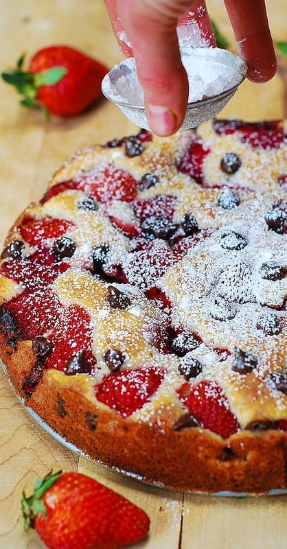 strawberry cake from scratch, chocolate strawberry cake, strawberry chocolate cake, easy strawberry cake recipe, how to make strawberry cake