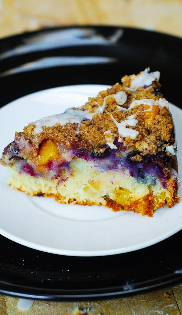 apple desserts, blueberry dessert, peach desserts, summer desserts, easy coffee cake, best coffee cake, crumb topping, streusel topping, dessert recipes, berry desserts, berry recipes