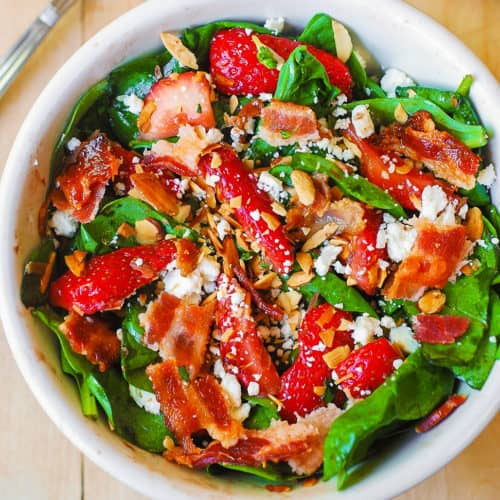 strawberry spinach salad with bacon and toasted almonds