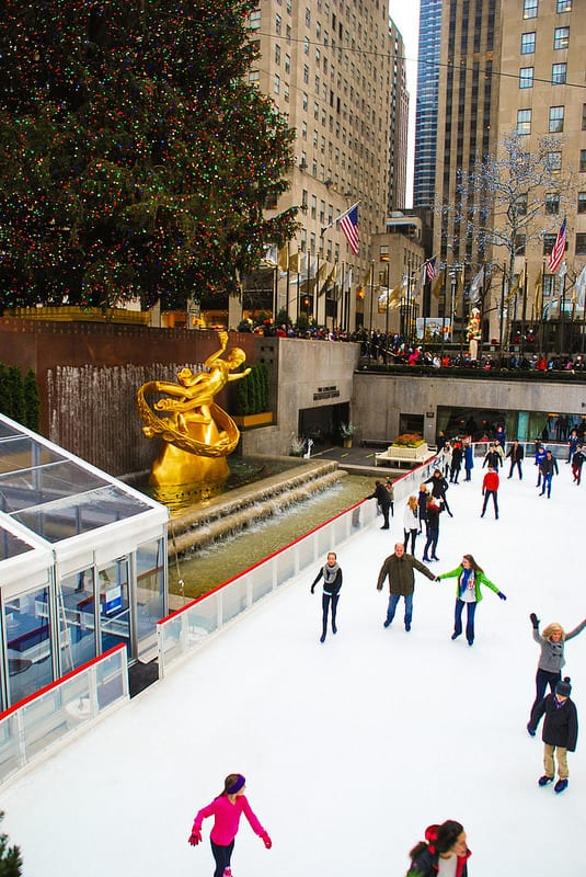 Rockefeller Center skating rink, Rockefeller Center Christmas Tree, Rockefeller Center people skating