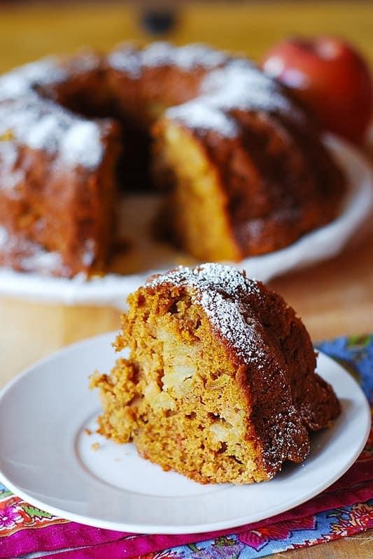 pumpkin bundt cake, pumpkin spice cake, apple bundt cake