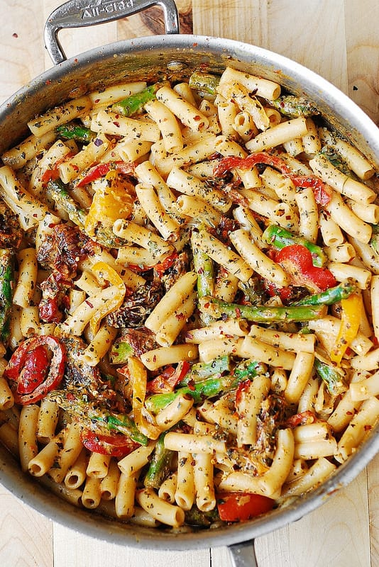 Vegetarian Pasta with Bell Peppers and Asparagus in a Creamy Sun-Dried Tomato Sauce