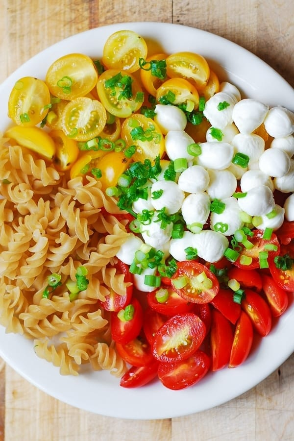 grame tomatoes, gluten free pasta, mozzarella balls, summer salad, healthy recipe