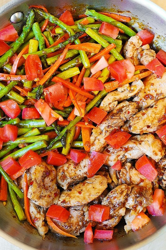 Balsamic Chicken with Asparagus and Tomatoes – delicious, healthy, low fat, low cholesterol, low calorie meal, packed with fiber