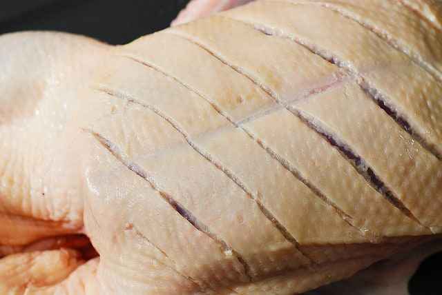 scoring the duck's skin, how to make the best duck