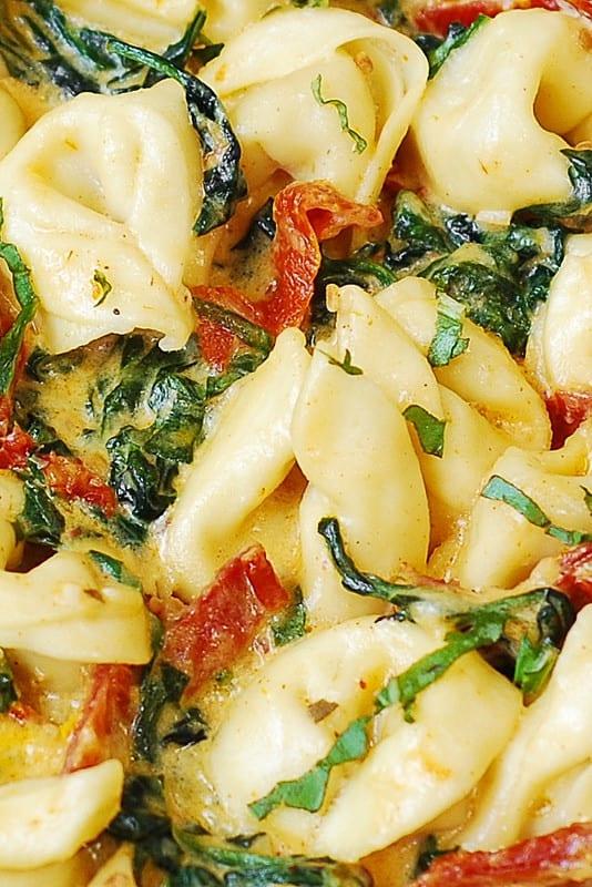 Creamy Mozzarella Sun Dried Tomato Basil Spinach Tortellini Julia S Album