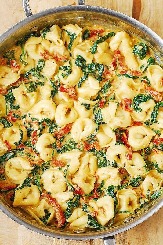 tortellini recipes, how to cook tortellini, sun-dried tomato recipes, spinach pasta, sun-dried tomato pasta recipe