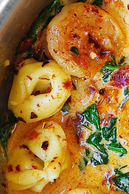 Creamy Shrimp Tortellini with Spinach and Sun-Dried Tomatoes