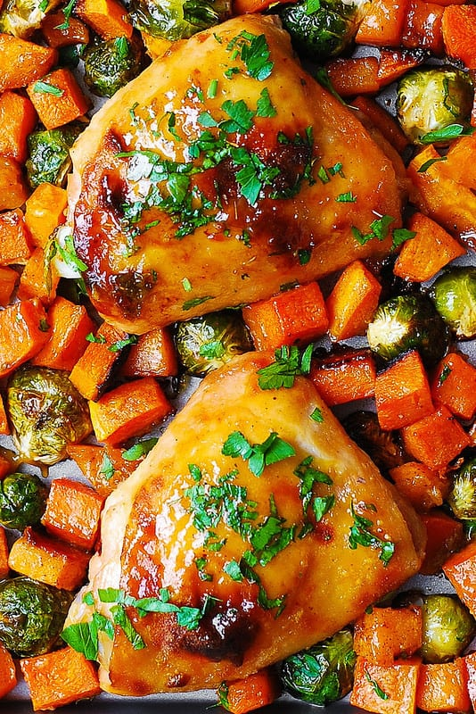 chicken thighs with winter squash and vegetables, gluten free dinner, autumn dinner, winter dinner