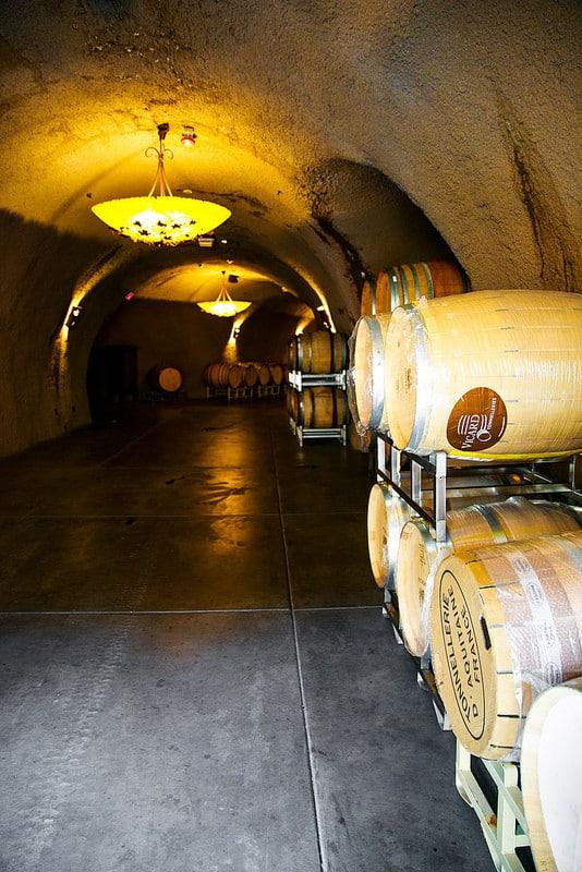 Sonoma Wine Tasting Tour, Petroni wine tasting caves