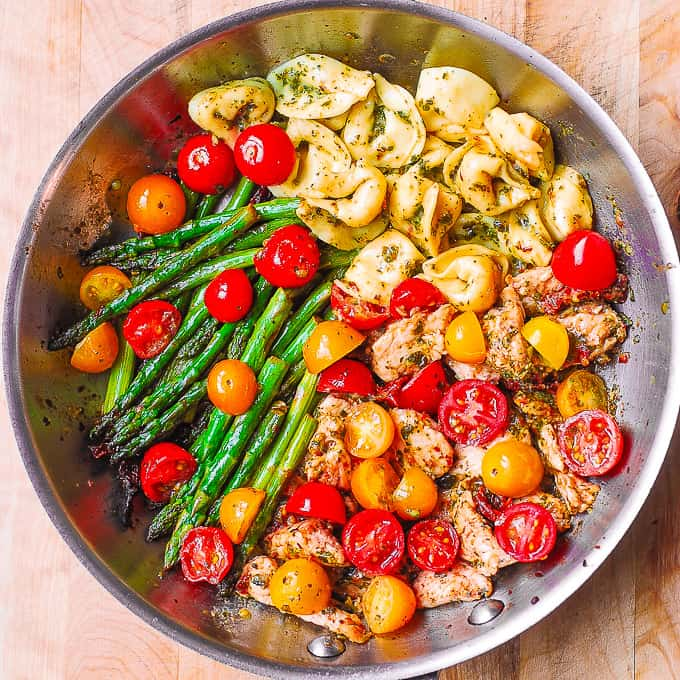 pesto chicken tortellini and veggies
