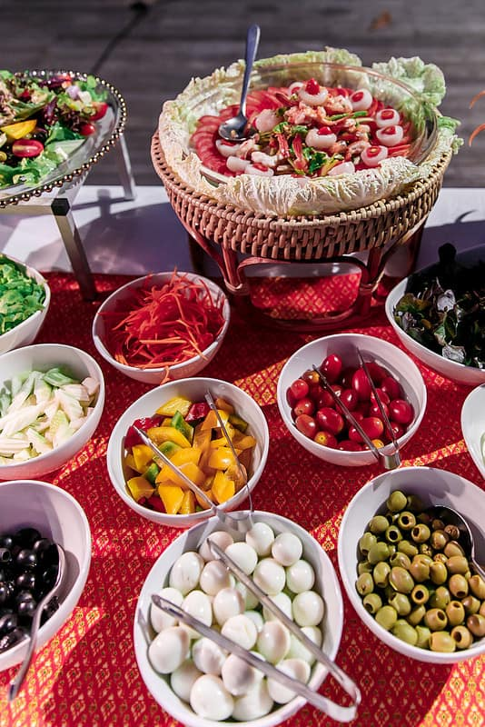 salad bar in Ko Samui, salad buffet in Thailand, reens, broccoli, tomatoes, bell peppers, olives, different kinds of dressings, even quail eggs