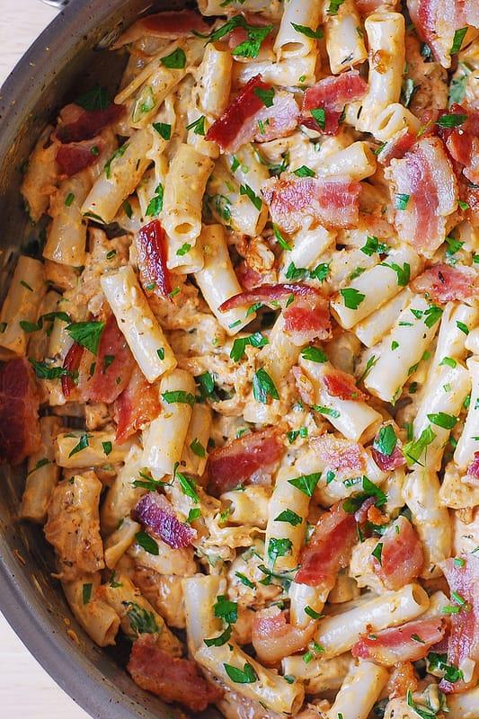 easy bacon pasta, chicken and bacon pasta, creamy bacon pasta, creamy chicken pasta