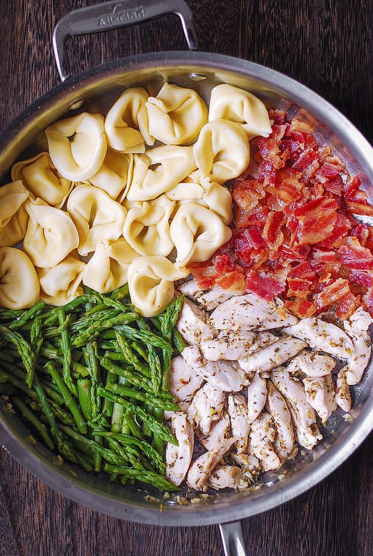 chicken and bacon pasta with asparagus, best chicken pasta, best bacon pasta