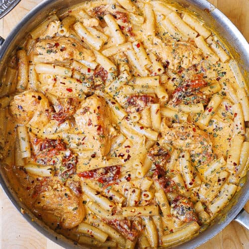 sun-dried tomato chicken pasta with mozzarella cream sauce