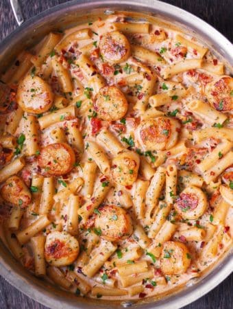 Scallops with Creamy Mozzarella Pasta