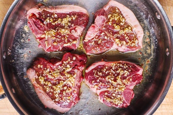 lamb chops with garlic olive oil marinade