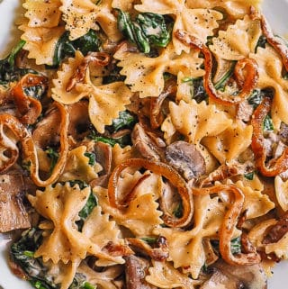 Bow-tie pasta with Spinach, Mushrooms, Caramelized Onions