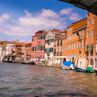 Motorboat tour in Venice, Italy