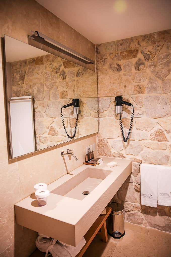 Masseria della Volpe bathroom, Sicily, Italy