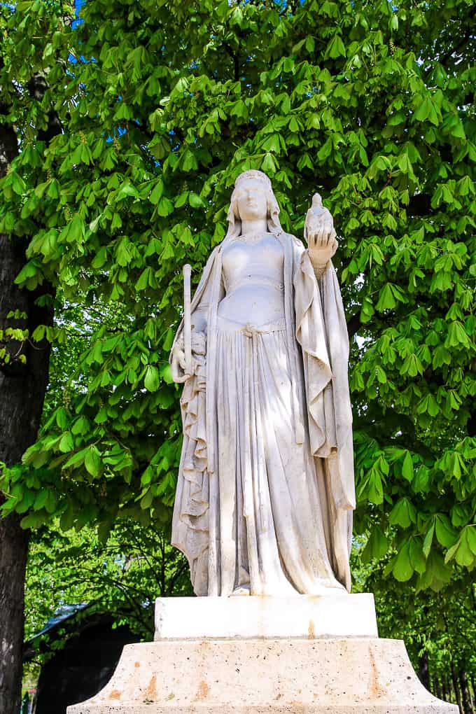 Statue of Berthe Ou Bertrade, Jardin du Luxembourg, Paris
