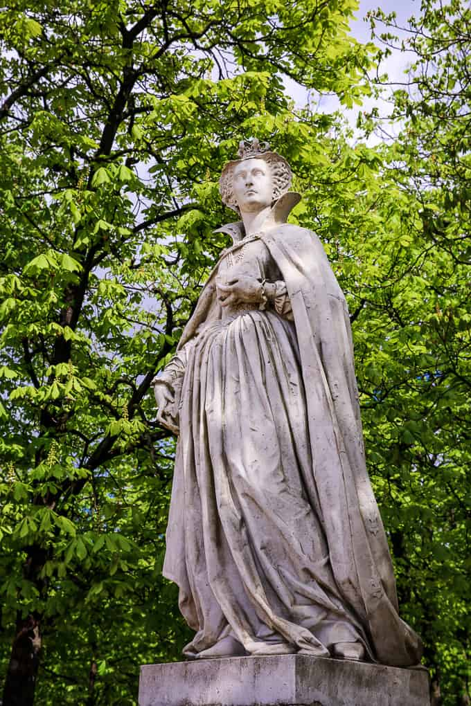 Statue of Marie Stuart, Jardin du Luxembourg, Paris