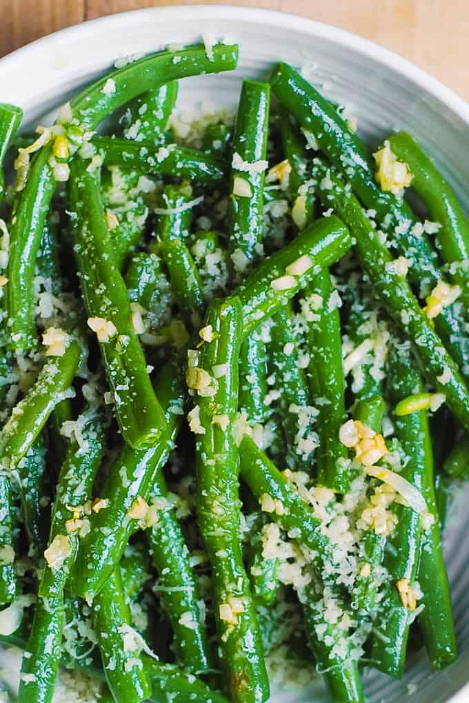 Judías verdes con ajo y parmesano